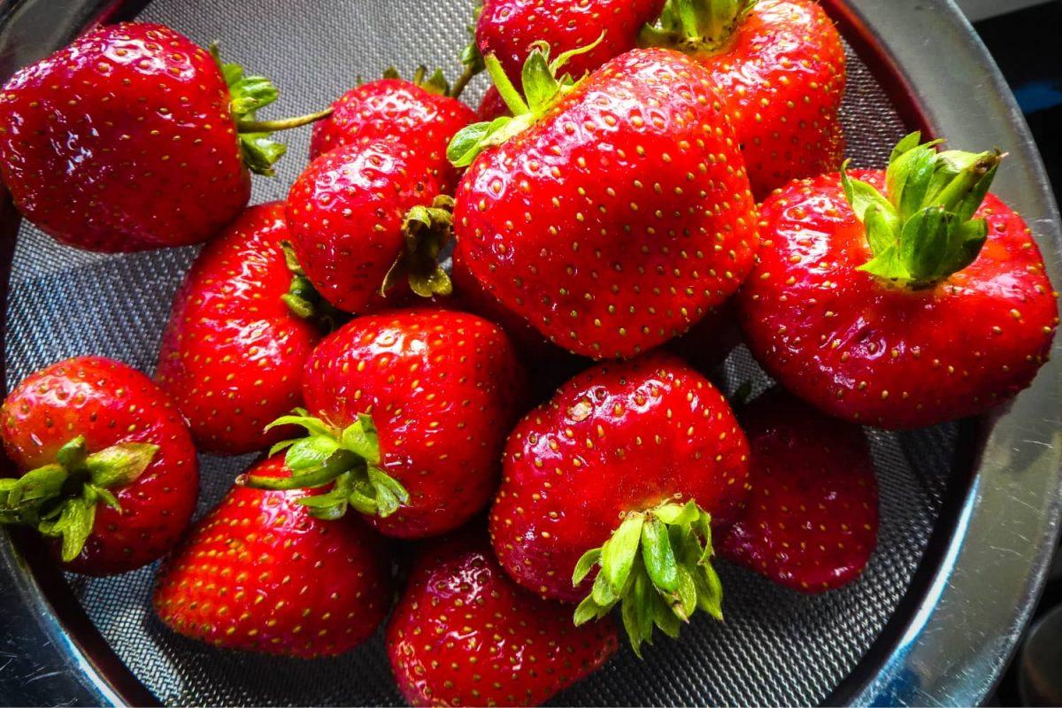 Erdbeeren grillen, gegrillte Erdbeere