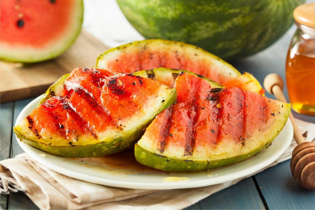 Wassermelone grillen, gegrillte Wassermelone